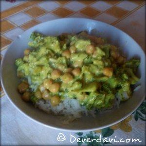 Estofado de brócoli y garbanzos al curry